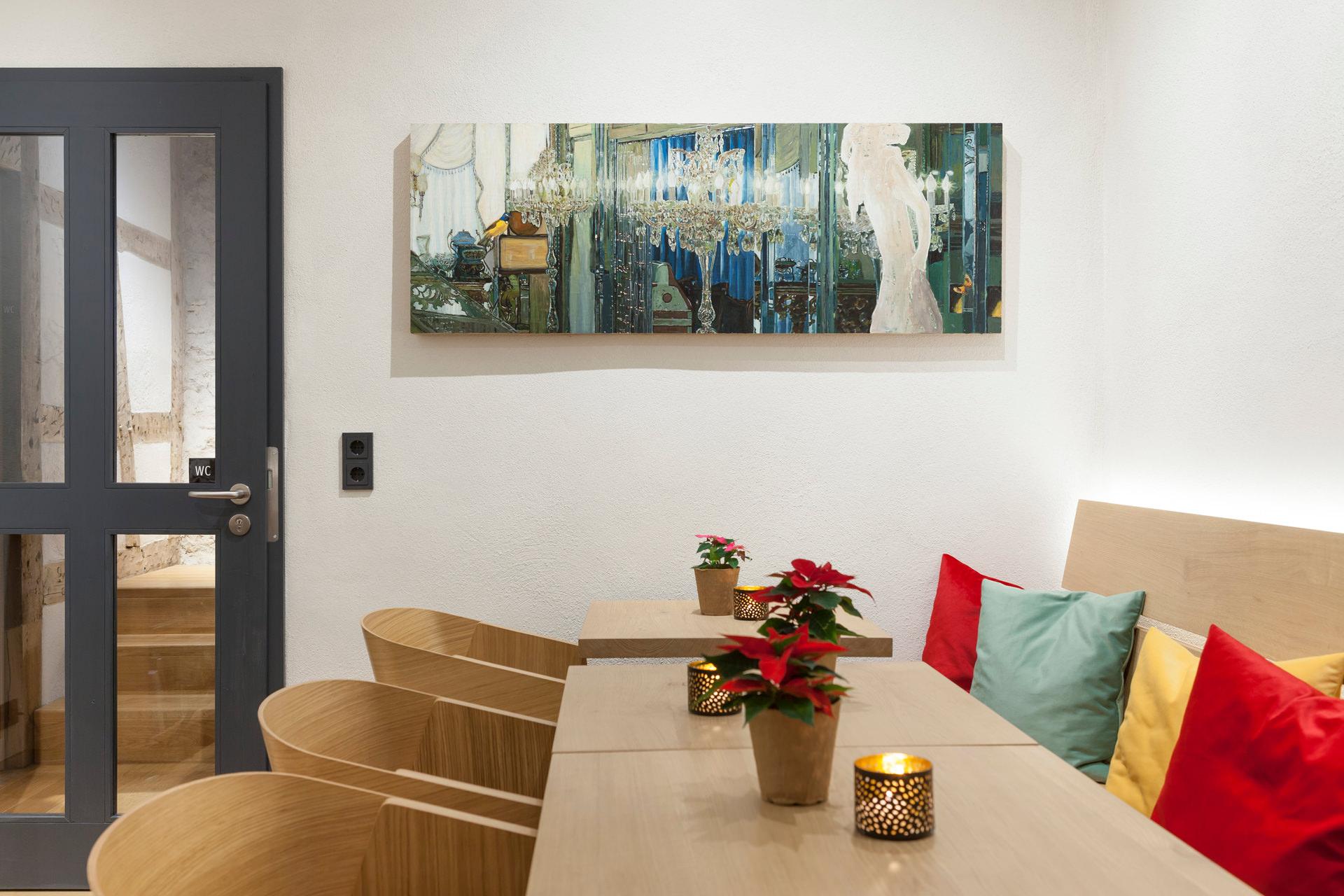 Cafe-Denkmal-Karlstadt-Gastraum-Bild