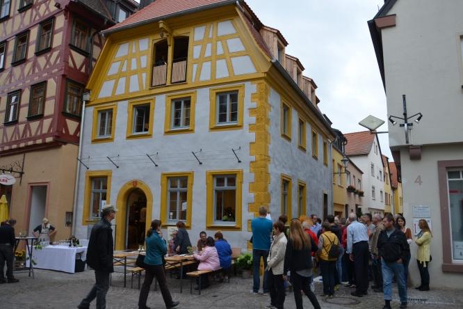 Cafe-Denkmal-Karlstadt-Aussenansicht02